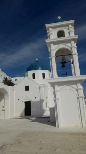 サントリーニ島の教会