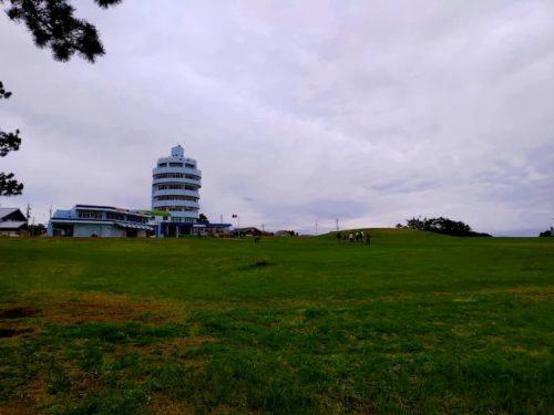 潮岬観光タワーの広場