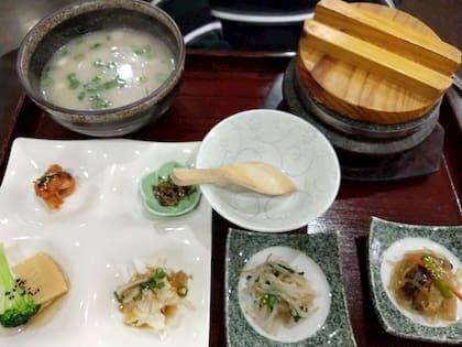 鶴橋 牛肉ス-プのセット