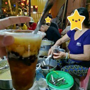 ベトナムのナイトマーケットでの飲み物