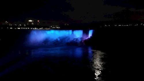 ナイアガラの滝-ライトアップ