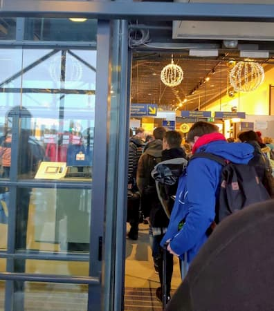 ロヴァニエミ空港の搭乗口