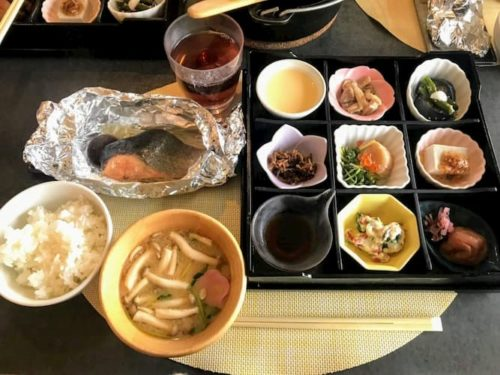 滋賀のクラブエレメントの朝ごはん和食