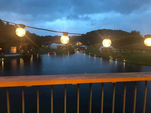滋賀のクラブエレメントの夜の景色
