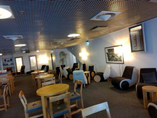 タリン空港のラウンジの座席