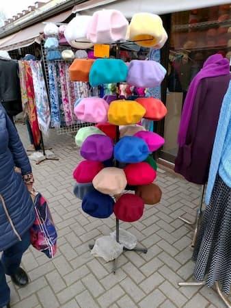 ラトビアのリガ中央市場の服