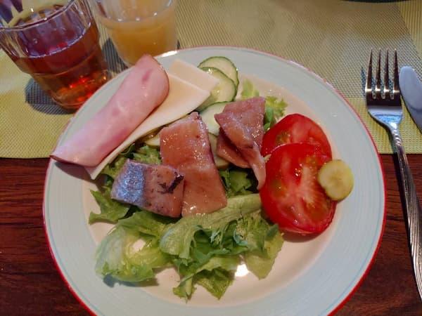 フィンランドのサ-リセルカインマヤタロパニモの朝食1