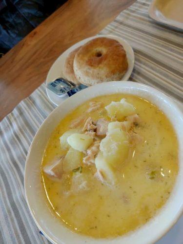 サーリセルカのサーモンスープ