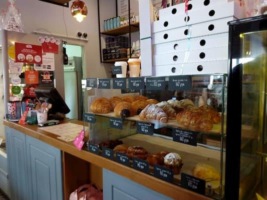 ウラジオストクのグム百貨店1Fカフェ食べ物