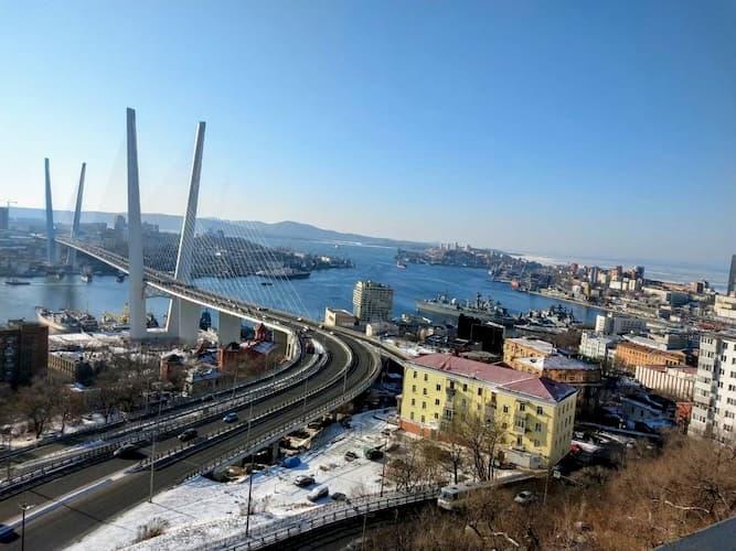 ウラジオストクの金角湾橋