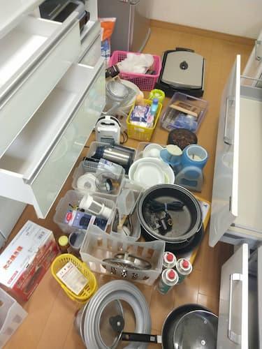キッチン用具の全出し